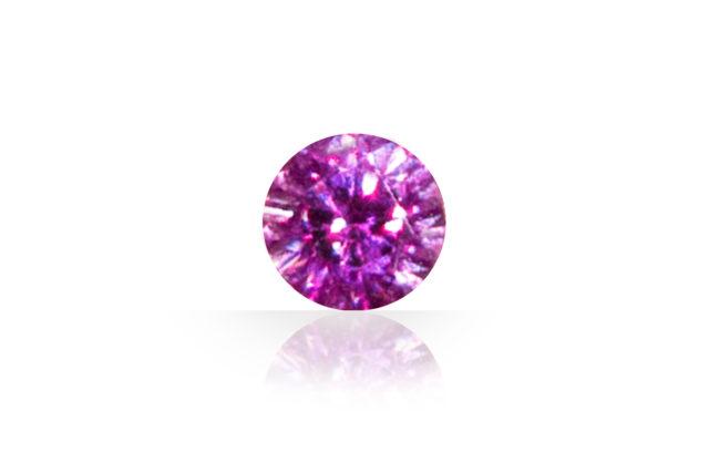 結晶の内側から湧き上がる輝きが美しいピンキッシュなルビー(ピンクサファイア)です。