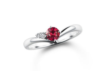 ルビーの婚約指輪01の画像