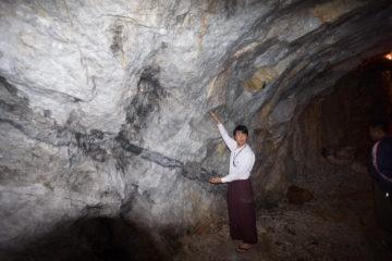 ミャンマーモゴック鉱山への画像
