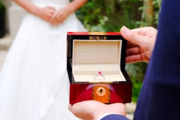 婚約指輪にルビーという選択の画像
