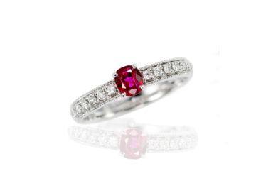 ルビーの婚約指輪08の画像