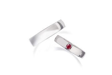 ルビーの結婚指輪01の画像